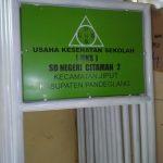 Plang nama UKS (Usaha Kesehatan Sekolah). (Foto:Is)t