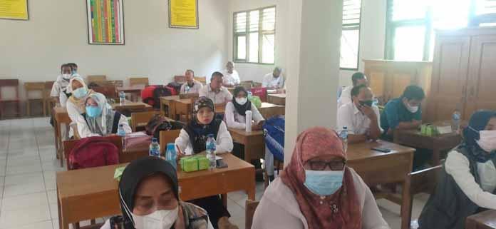 Tingkatkan Pemahaman Pengelolaan Dana BOS. Beginilah yang Dilakukan K3S dan Korwil UPT Pendidikan Kecamatan Kalanganyar