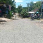 Tingkatkan Sarpras, Desa Inten Jaya Bangun Jalan Lapen